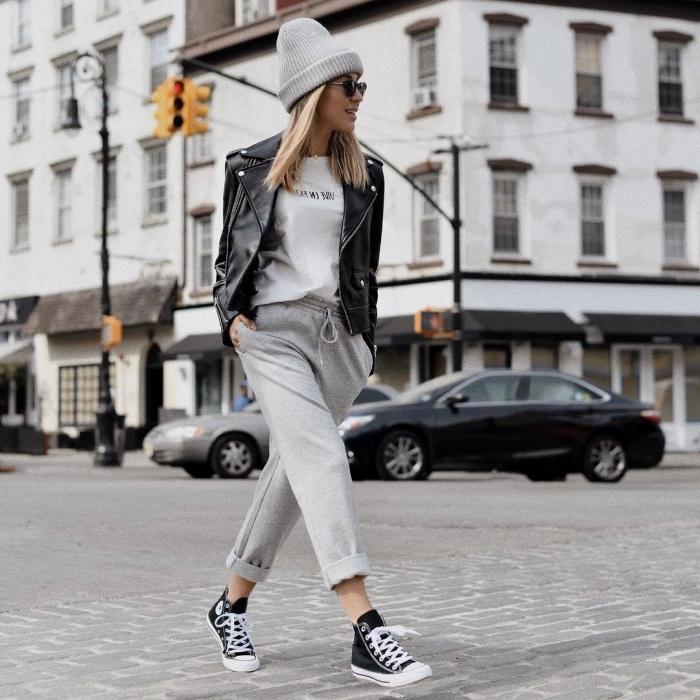 blouse blanche veste en cuir noir bonnet gris accessoires lunettes soleil street style femme sneakers