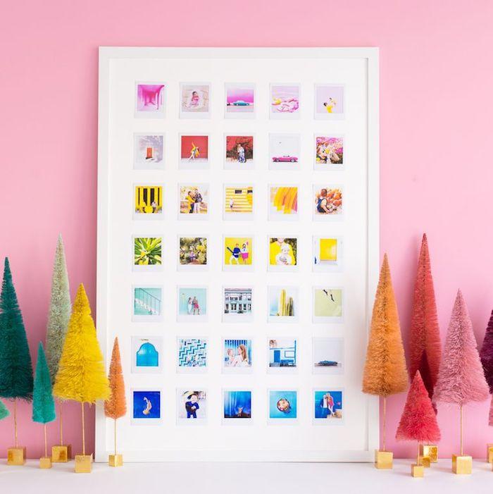 bricolage fete des mmies un tableau avec des photos miniatures sur mur rose exemple cadeau souvenir original