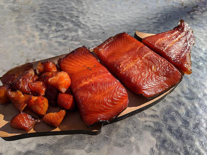 comment faire de saumon fumé chez soi des filets de poisson sur un comptoir en verrre que faire avec du saumon fumé