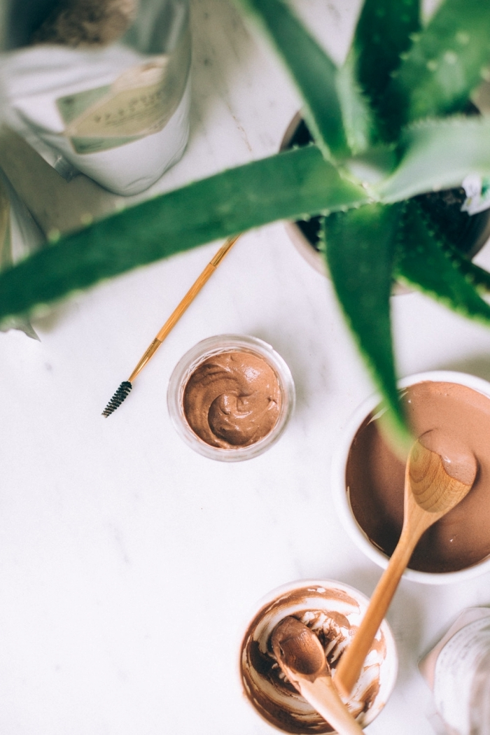 comment faire produit beauté gel sourcils aloe vera huile essentielle jojoba miel poudre cacao