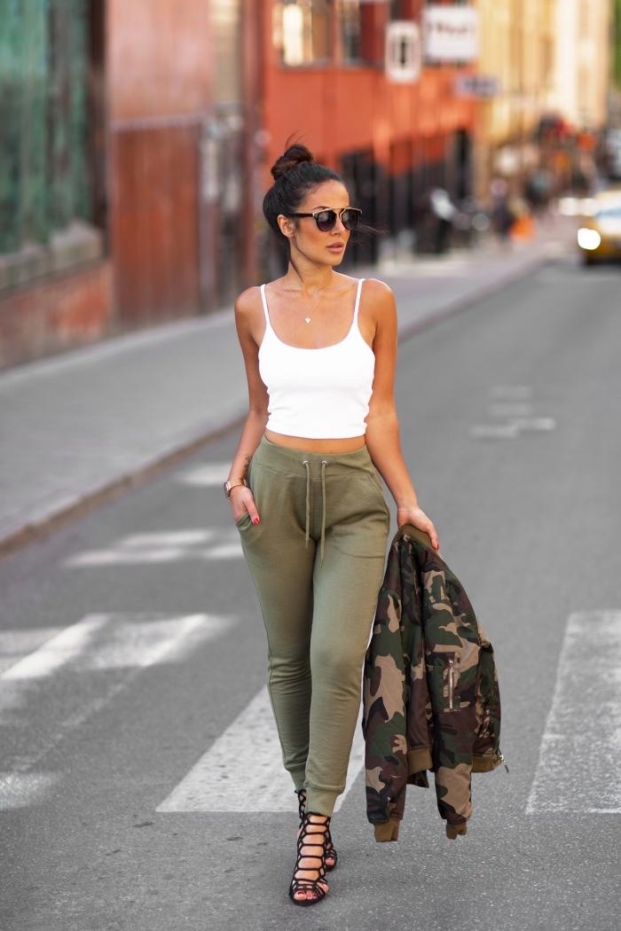 débardeur crop top blanc lunettes de soleil coiffure chignon haut image swag pantalon kaki