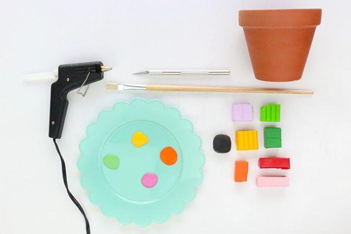 décorer des pots de fleur en pâte fimo idee activité manuelle printemps facile pour petits et grands