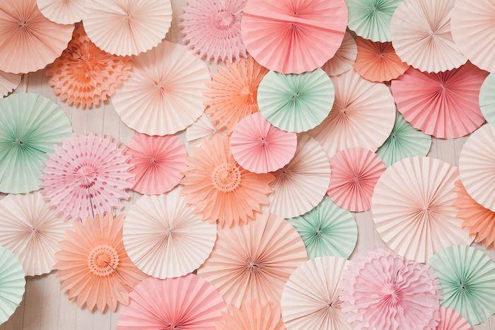 exemple d éventail couleur rose saumon vert pastel sur fond bois blanc image couleur pastel fond pc