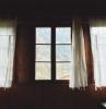 fenetre dans la maison de vos reves belle vue vers la montagne construction en bois.jfif