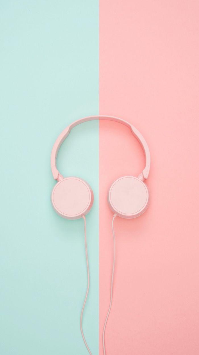 fond d écran musique en rose et bleu pastel avec des écouteurs image en couleurs pastel