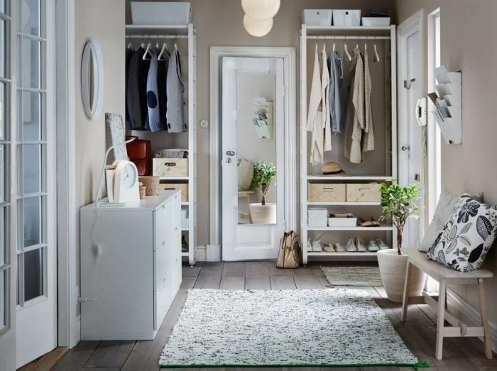 idée peinture couloir meubles bois rangement ouvert revêtement sol carrelage effet bois