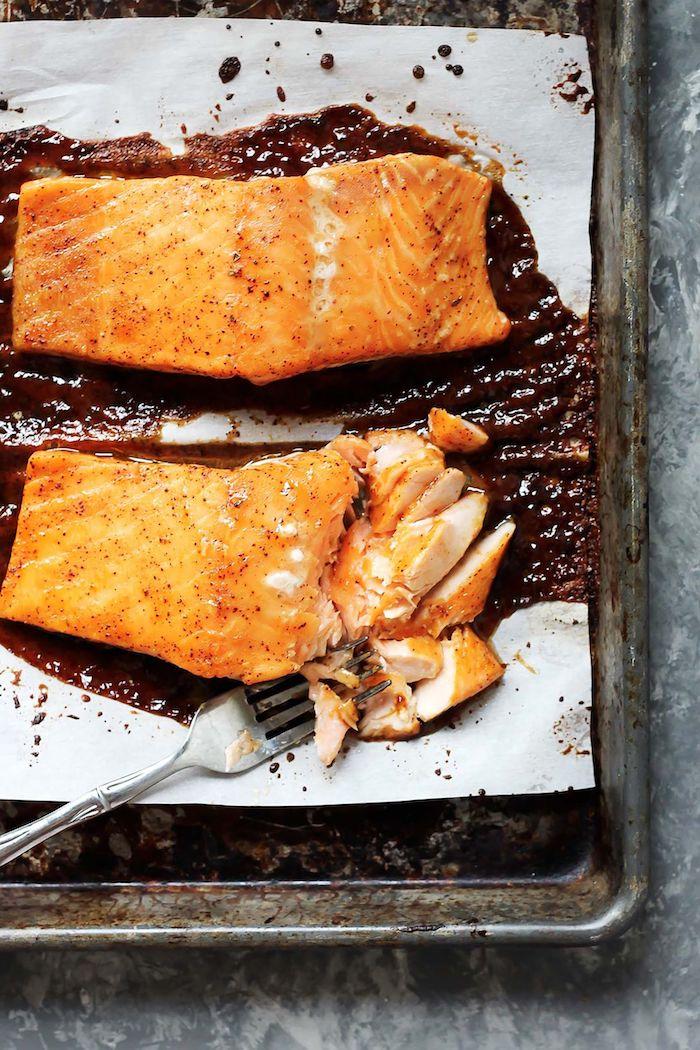 idée repas en amoureux recette du saumon au four avec un glacage d erable