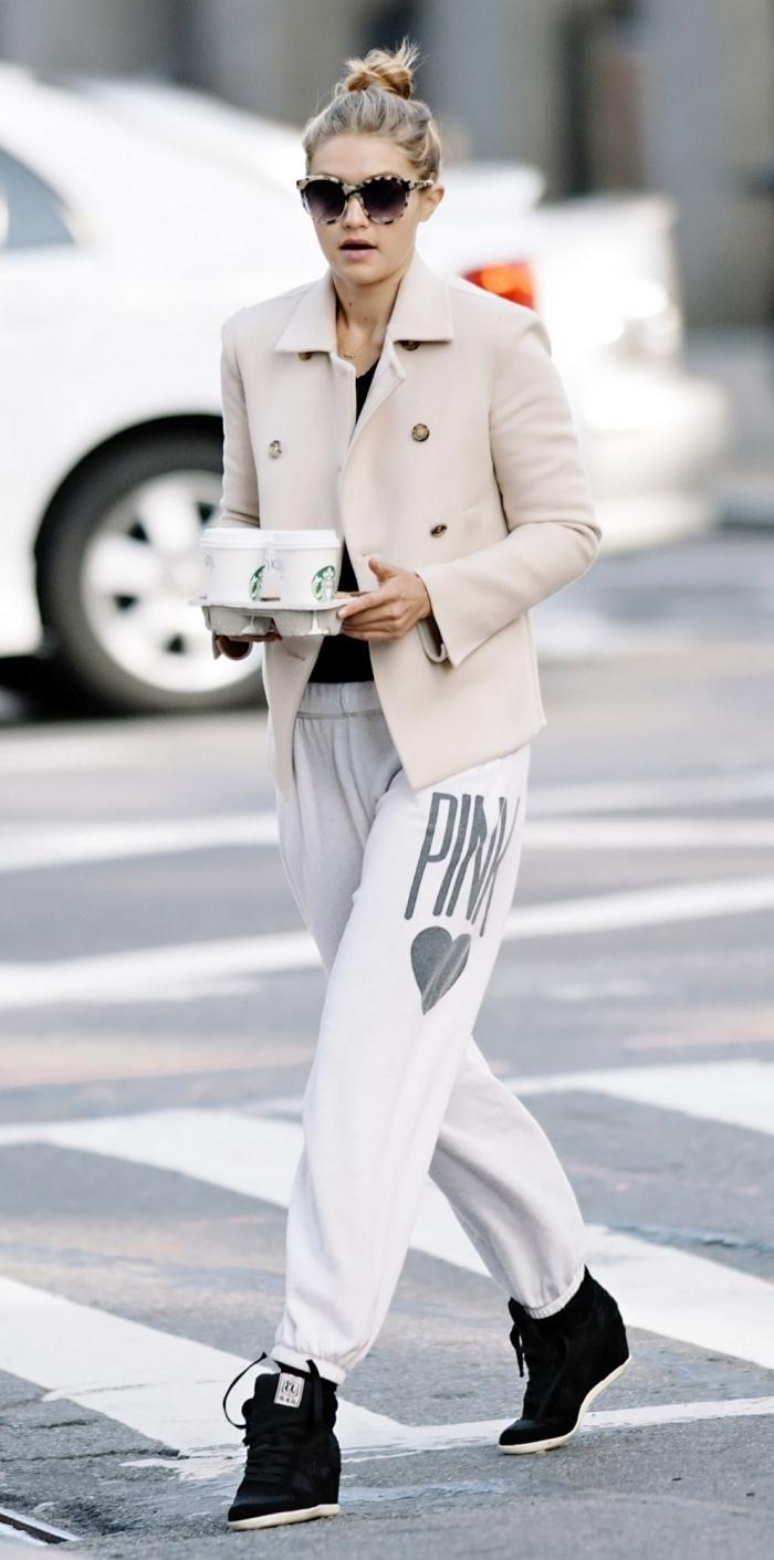 jogging blanc femme gigi hadid mode célébrité blouse noire blazer beige lunettes soleil monture léopard