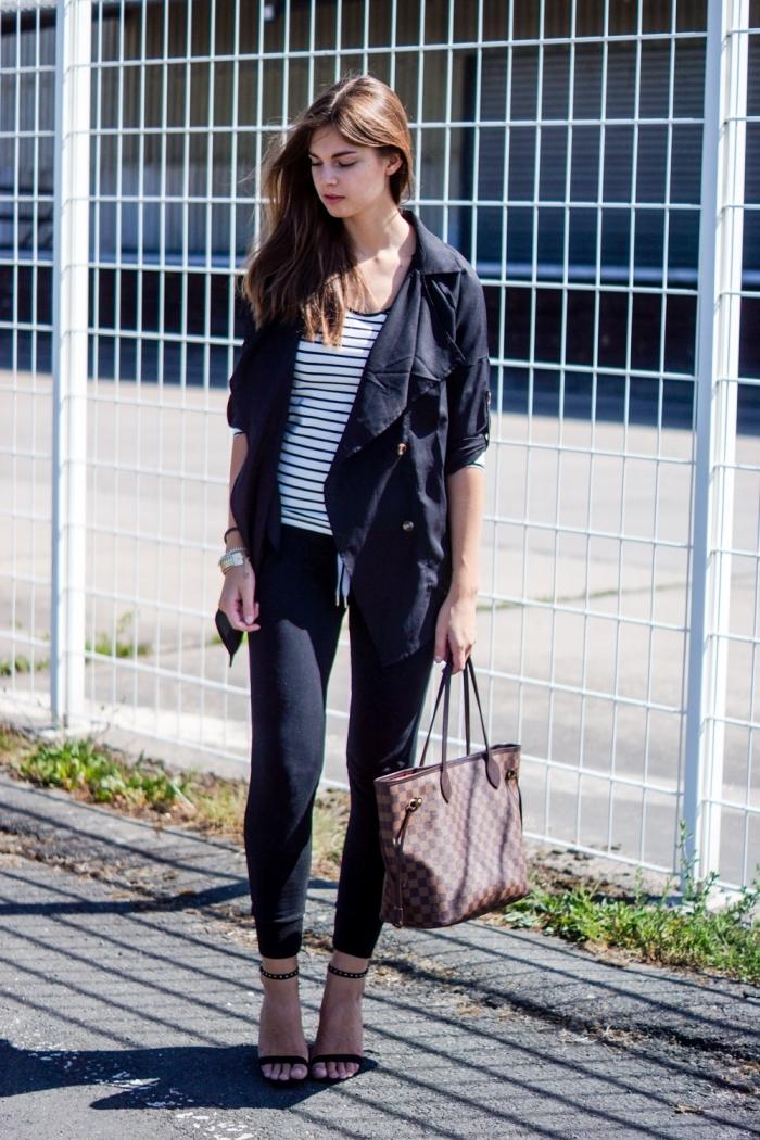 jogging nike noir femme pantalon sport noir blouse rayures blanc et noir sac à main luxe