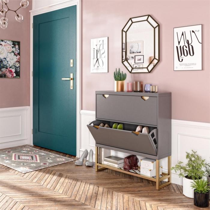 porte d entrée couleur turquoise couleur tendance 2021 peinture murale rose pastel cadre miroir métal