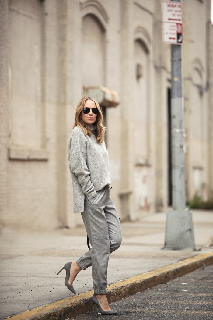 total look gris vêtements casual style vestimentaire pull oversize look jogging femme chic
