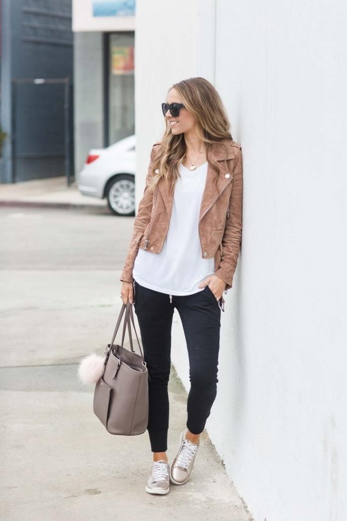 veste velours marron street style femme pantalon sport noir baskets argent blouse blanche