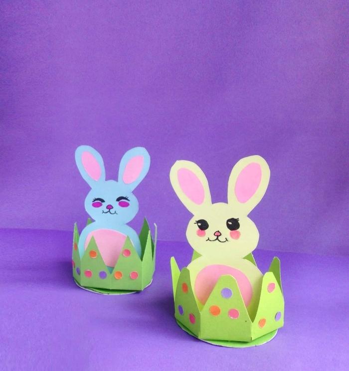 activité paques maternelle diy porte oeuf en forme lapin feuille cartonné verte dessin visage animal