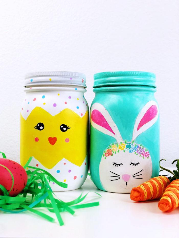 activité manuelle paques pots en verre recyclés et repeints à motif lapin ou poussin de paques