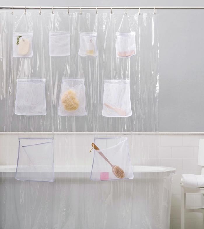 aménagement salle de bain baignoire autoportante astuce rangement rideau de douche avec poches