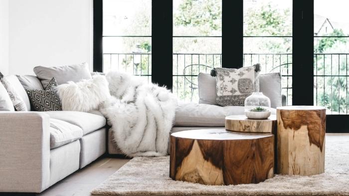 canapé d angle coussin fausse fourrure blanche plaid deco salon industriel moderne table bois