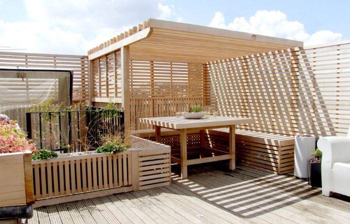 comment aménager sa terrasse extérieure avec bancs et tablee et pergola bois revetement terrasse bois