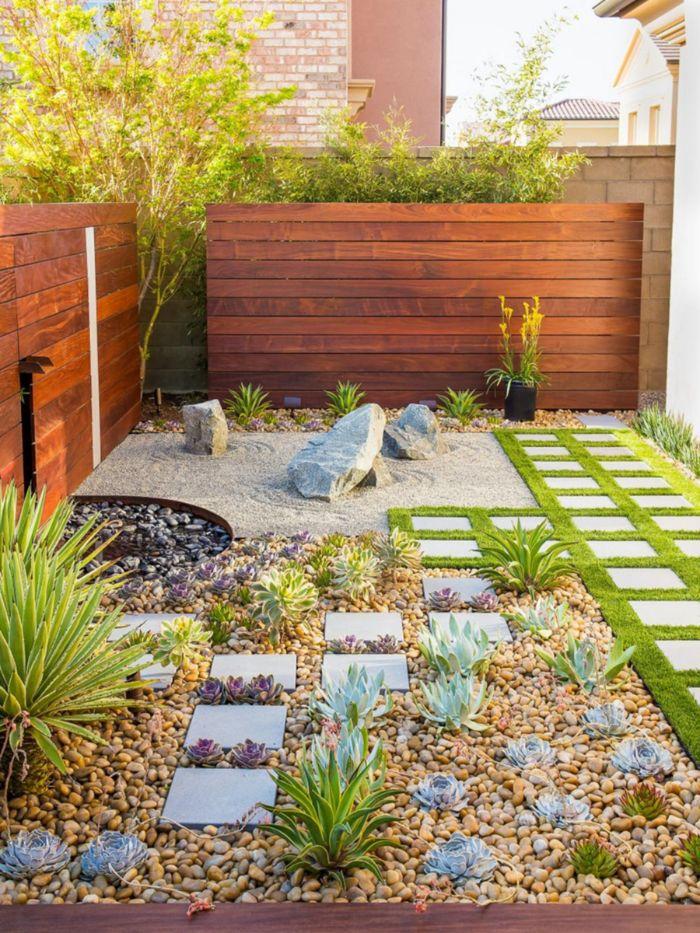 comment aménager un petit jardin en longueur rocaille fleurie savle gravier rochers chemin de dalles de beton et gazon