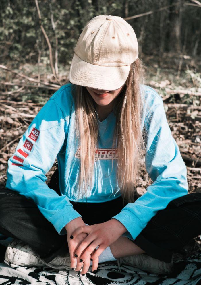 comment porte une casquette femme idée stule américain femme tenue streetwear typique.jfif