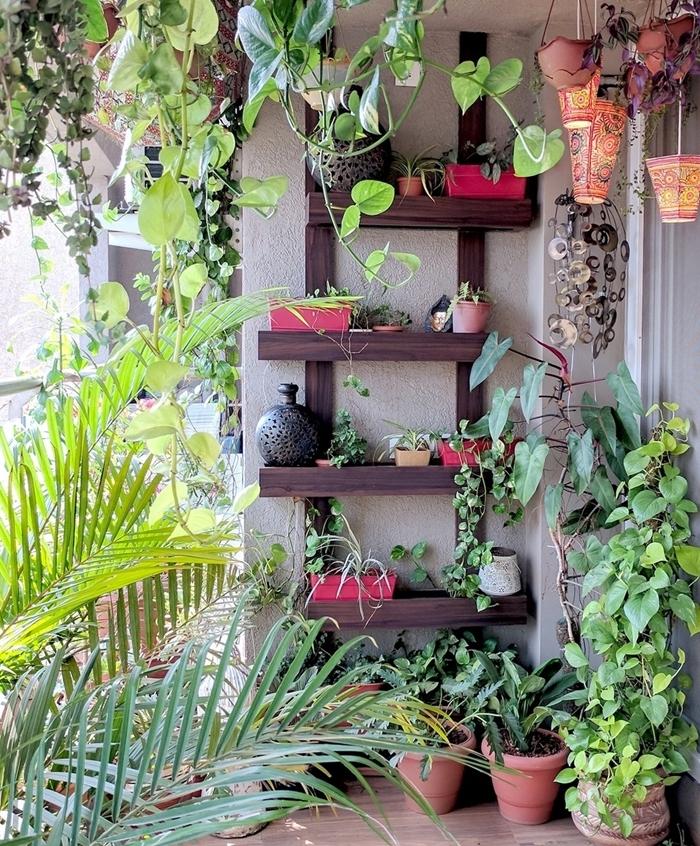 construction mur vegetal en palette facile diy rangement étagères pour plantes et objets déco