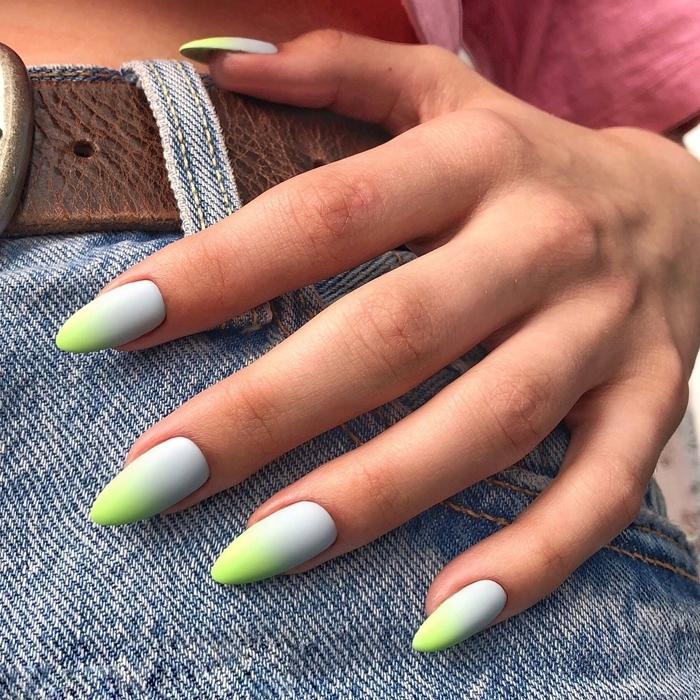 couleur pastel ongle longs effet ombré vernis de nuances bleu et vert néon manucure printemps