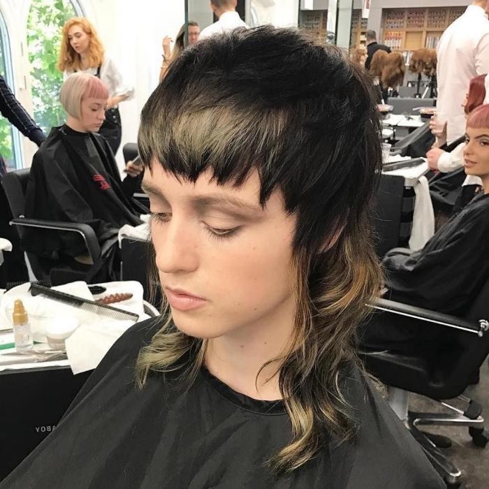 coupe mulet femme visite salon styliste choix coiffure coupe tendance 2021 baby frange