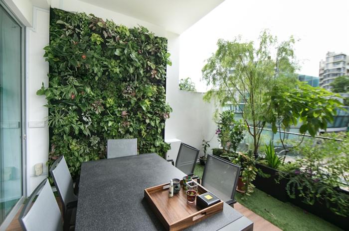 design extérieur tendance décoration balcon avec plantes vertes idée mur vegetal exterieur terrasse