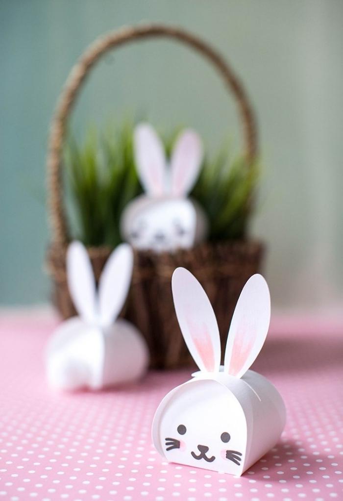 dessin visage lapin facile marqueur noir bricolage paques primaire papier cartonné blanc peinture rose
