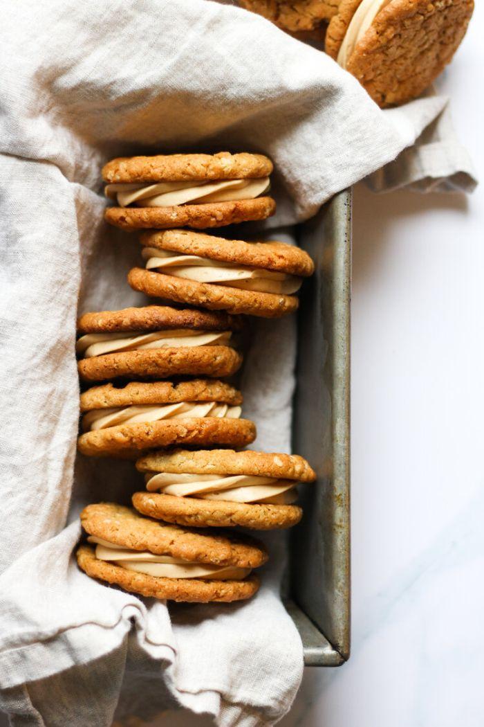 exemple de cookies maison avec crème de beurre de cacahuète au centre comment daire gouter dessert original