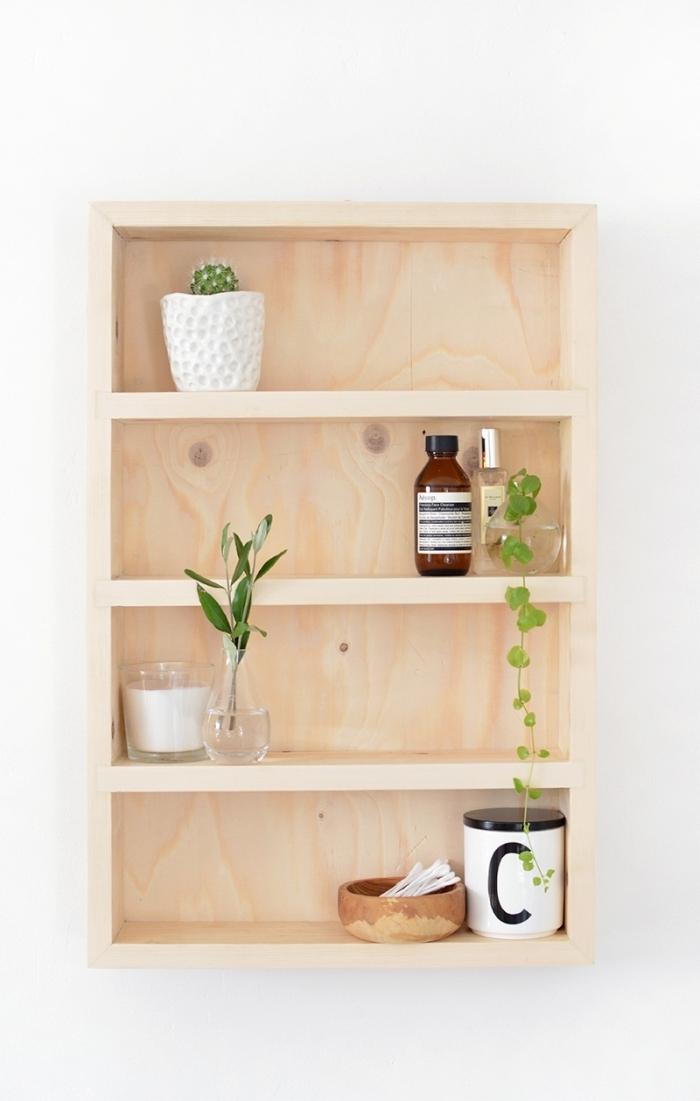 fabrication etite étagère salle de bain projet bricolage facile planche de bois plante verte intérieur