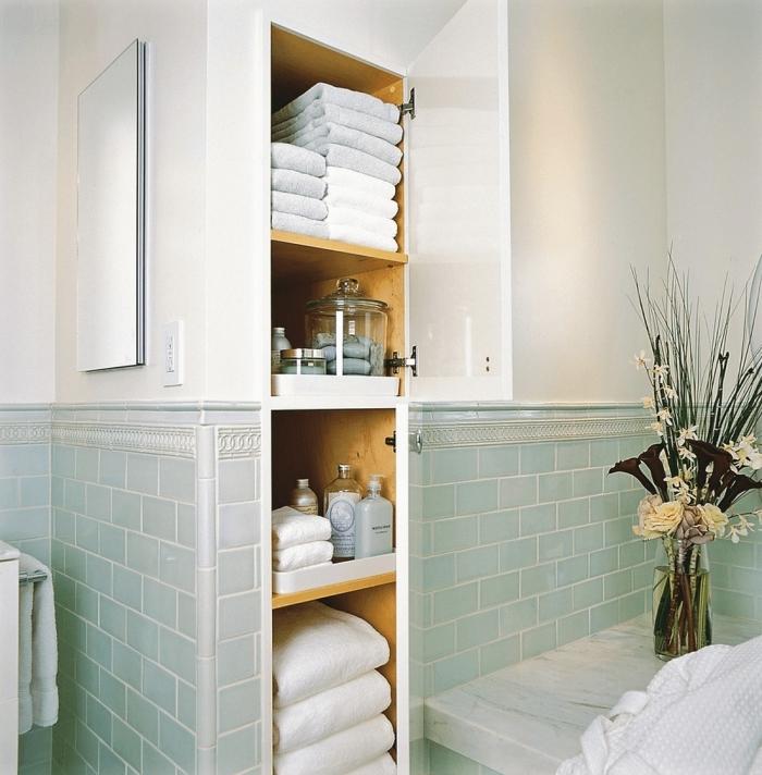 niche murale rangement vertical carrelage vert serviette bain rangement mural salle de bain