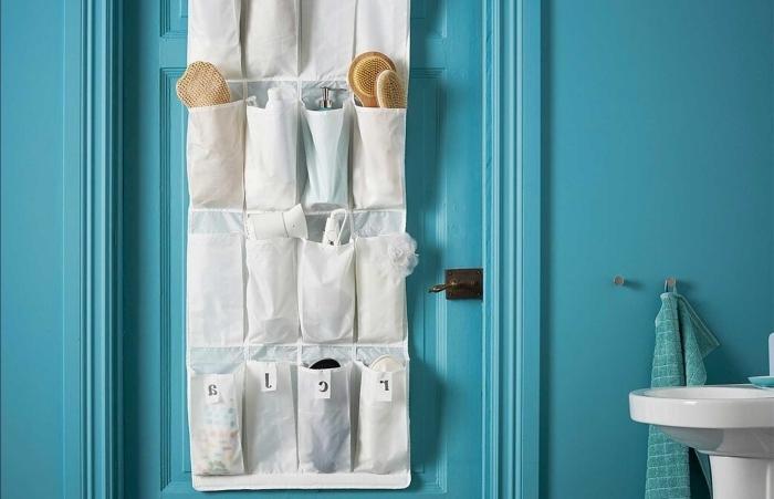 organisateur salle de bain sur porte rangement avec poches porte bleue accessoires de bain