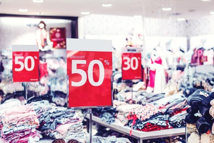 période des soldes hiver 2021 prolongation prix chute achats vente en ligne réductions