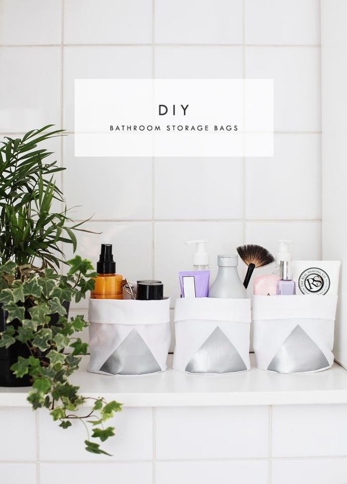 plantes intérieur carrelage blanc panier diy en tissu blanc amenagement salle de bain petit espace