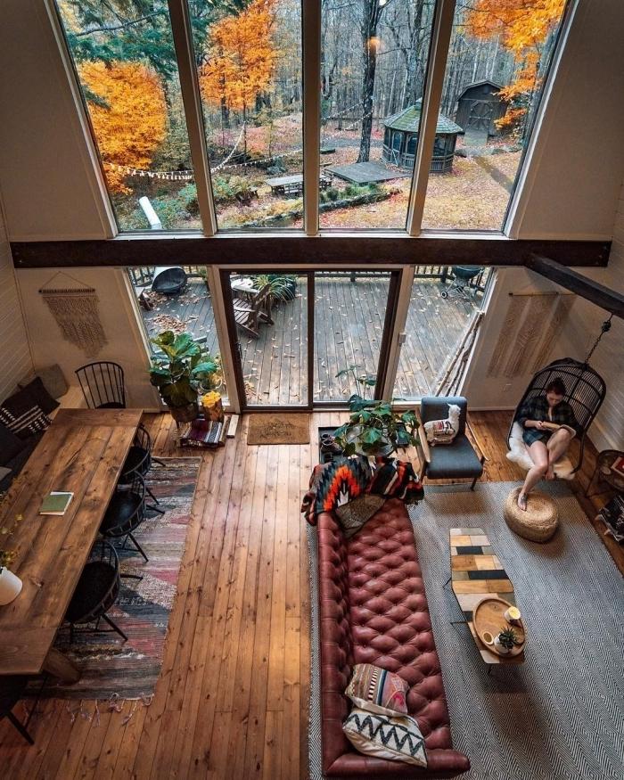 salon cocooning bois décoration plafond haut style industriel meubles bois et métal canapé cuir