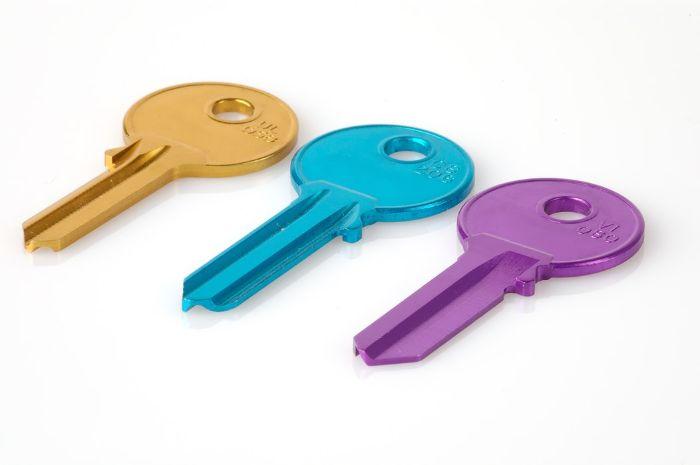 trois cles colorés comment trouver un bon serrurier.jfif