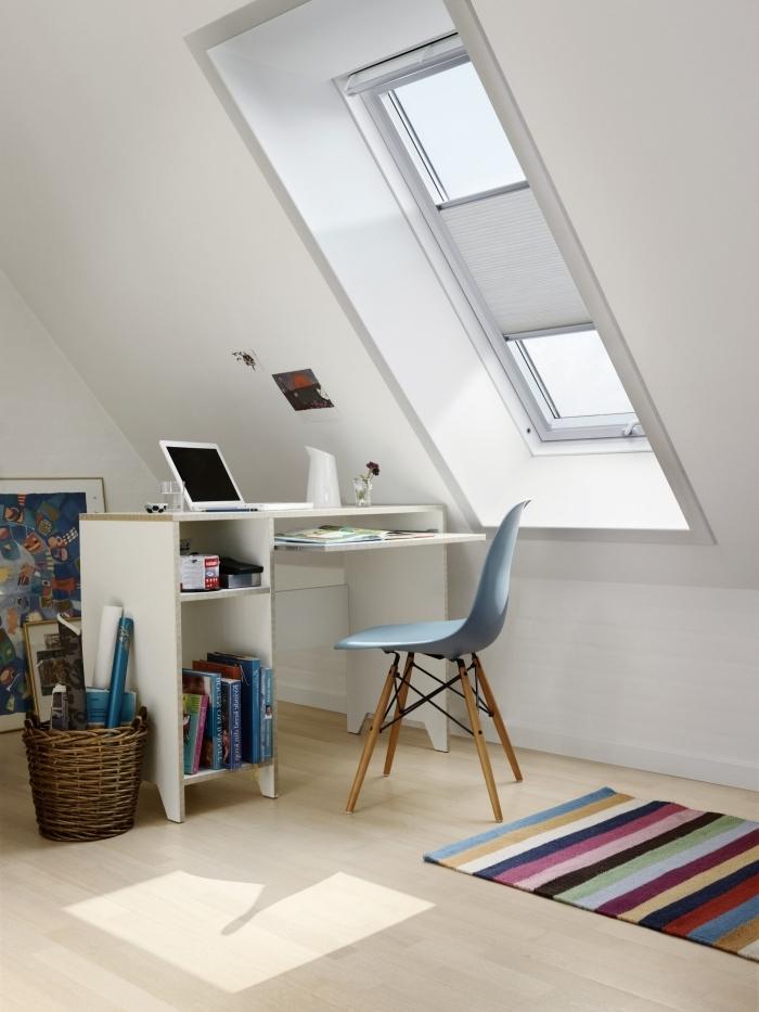 aménagement de grenier design coin de travail domicile décoration bureau sous combles fenetre