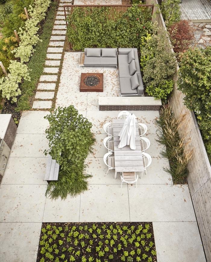 amenagement jardin simple salon de jardin banquette d angle housse extérieur table a manger