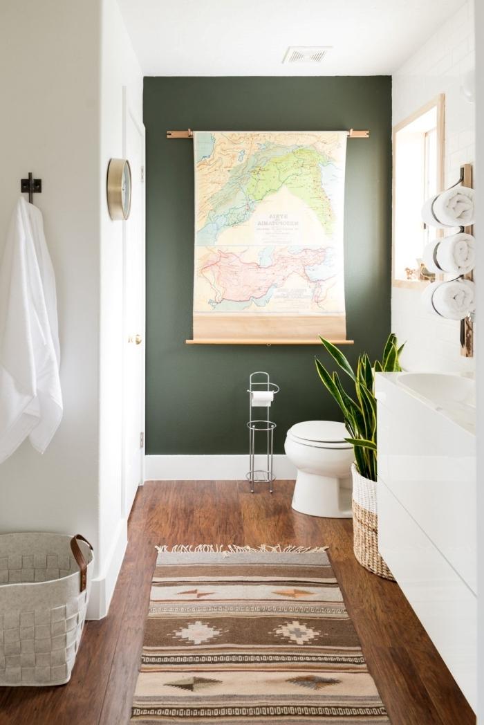 comment disposer les couleurs de peinture dans une pièce tapis franges sol stratifié foncé panier tressé