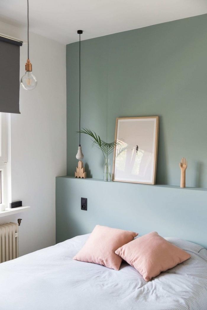 couleur vert pastel peinture tendance déco petite chambre a coucher peindre 2 murs opposés en blanc et vert