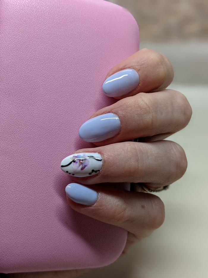 couleurs ongle pastel tendance manucure printemps formes ongles 2021 dessin sur seul ongle fleurs