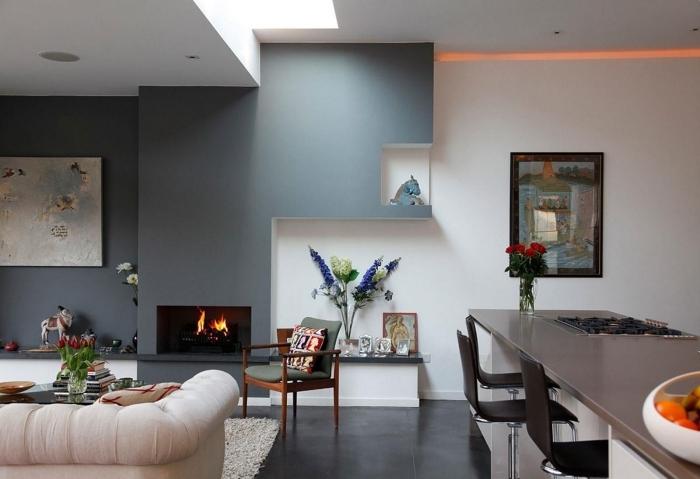 décoration salon moderne avec cheminée peinture murale couleur grise idée de peinture pan mur