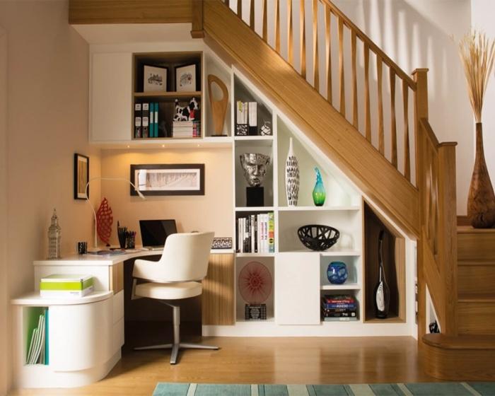 design bureau sous escalier d angle meuble blanc chaise rangement ouvert escalier bois vase