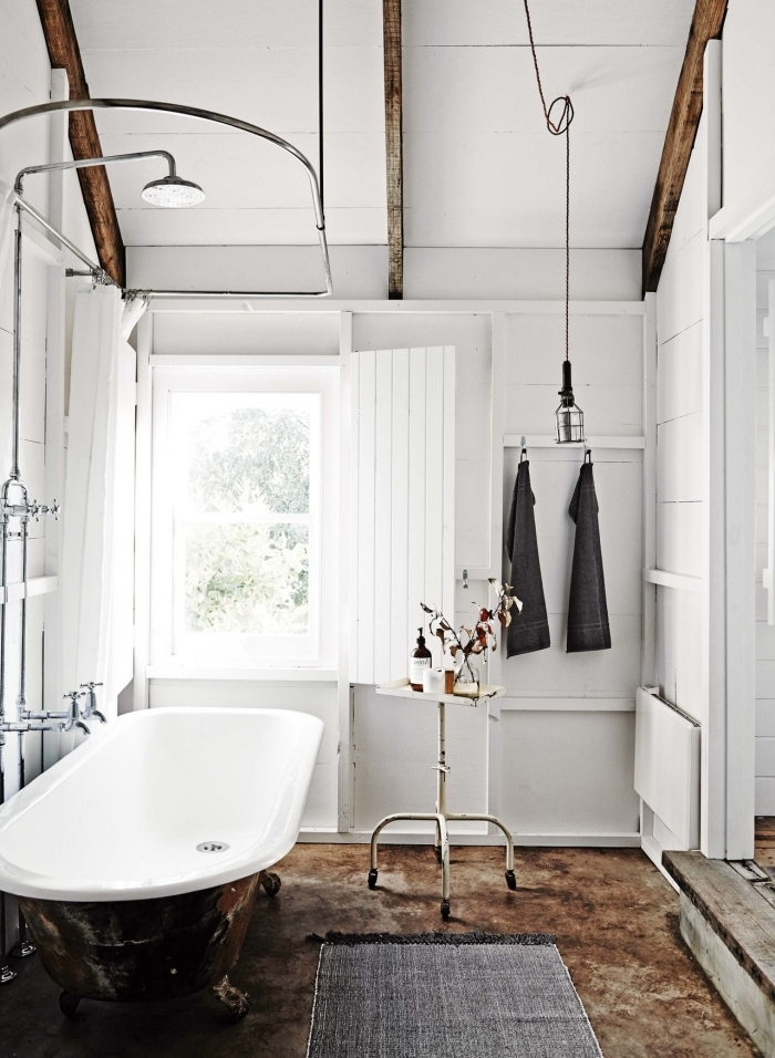 design intérieur style retro chic accents bois idee salle de bain bois revetement mural panneaux bois blanc