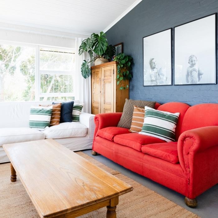 design petit salon grandes fenêtres comment disposer les couleurs de peinture dans une pièce mur foncé