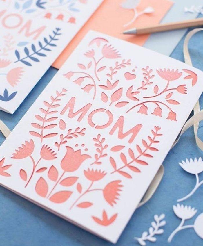 exemple de bricolage fête des mères avec du papier coloré et coupé en formes