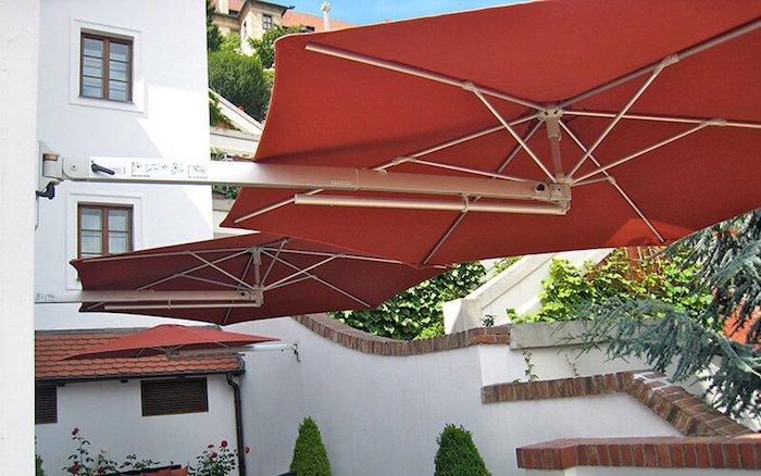 exemple de parasol mural design quel parasol choisir pour sa maison café restaurant