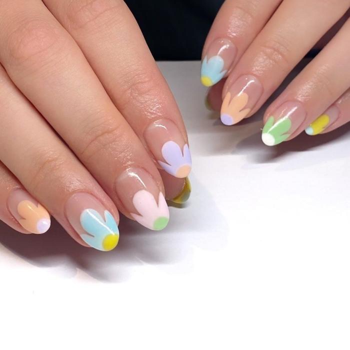 french manucure couleur idée manucure tendance printemps dessins sur pointes ongles fleurs
