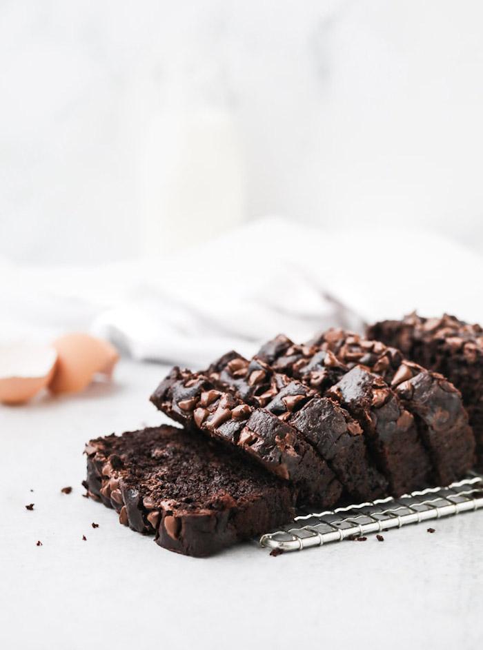 gateau facile a faire aux chocolat oeufs et bananes