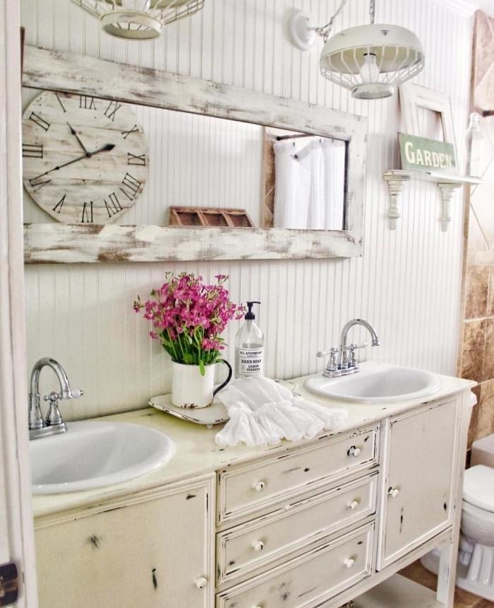 maison de campagne deco miroir rectangulaire bois vintage meuble blanc étagère bois recup